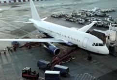 avion aeropuerto embarque carga