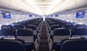 Sua próxima viagem de avião pode não ter apoio para braços