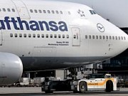 Lufthansa B747-400 Front