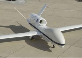 Un avión no tripulado comparte espacio con vuelos comerciales, por primera vez en España