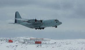 ¿Se debería prohibir el turismo en Antártica?
