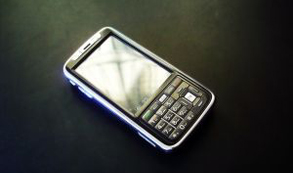 ¿Permitirán el uso de los celulares en los aviones?