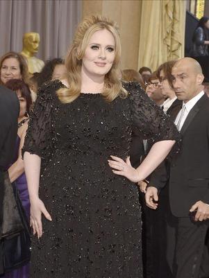 Canción de Adele ayuda a perder el miedo a viajar en avión