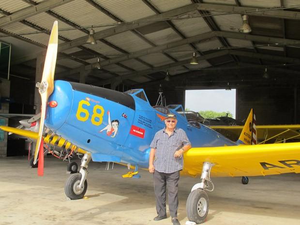 Aviões históricos voltam a voar em Itanhaém, SP, após serem resgatados