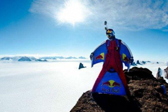 Realizan el salto base más alto del mundo desde el Everest