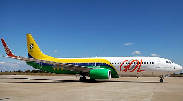 Gol apresenta avião que transportará seleção de futebol