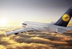 Lufthansa A380 hacia el horizonte