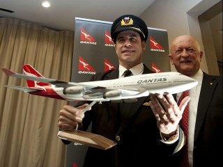 John Travolta también tiene profesión como piloto