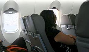 Adelgazó más de 95 kilos para entrar en el asiento de avión