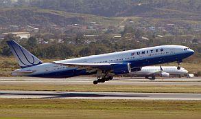 United B777-200ER E.Moura