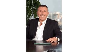 """Enrique Cueto, CEO de Latam Airlines Group: """"Ningún país necesita línea de…"""