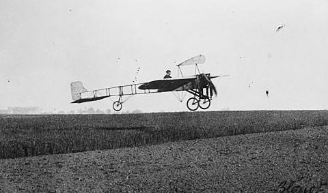 Editorial ALN: El primer aeroplano panameño