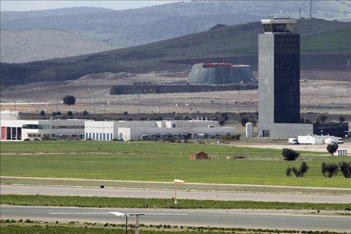 La soledad y los conejos se adueñan del aeropuerto de Ciudad Real