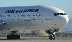 Despide Air France a 5 empleados acusados de agredir a directivos