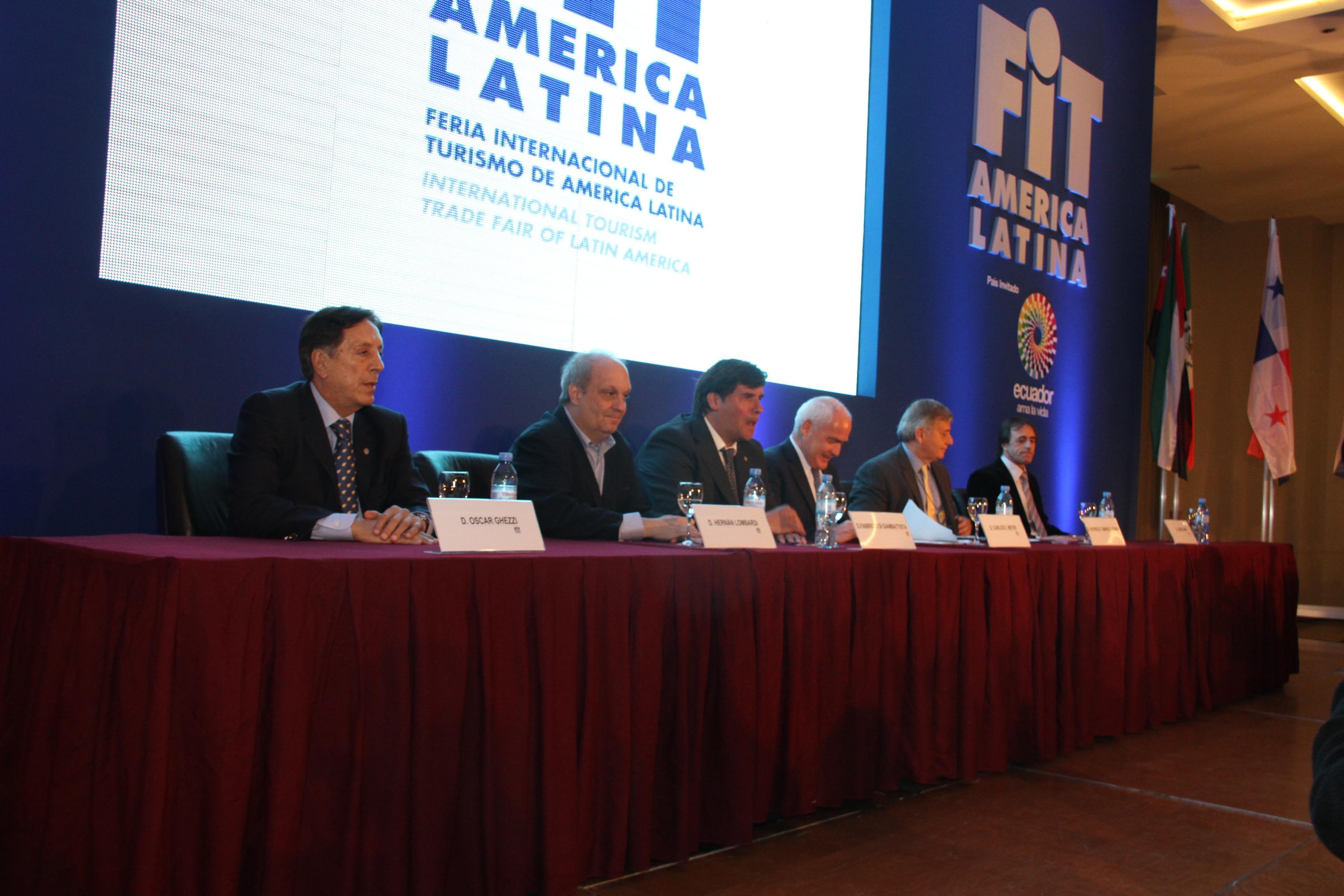 Durante la apertura de la FIT 2013 destacaron el rol del turismo en la economía