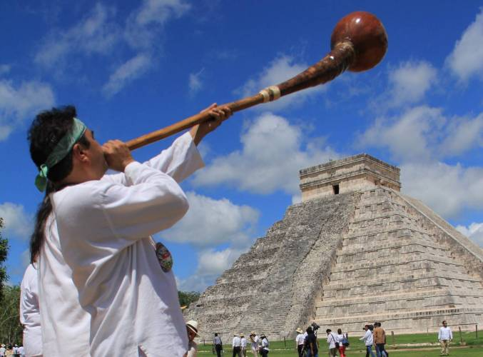 Prevén recibir en invierno a más de 100 mil pasajeros en Yucatán