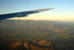 ala-avion-volando-cordillera