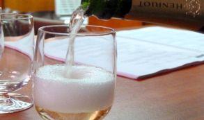Los mejores bares de aeropuerto del mundo para tomar una copa
