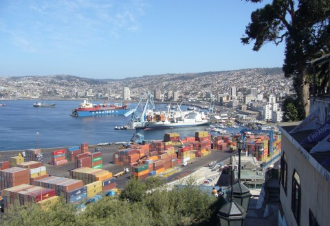 Valparaiso_Port_(Chile)_-_new