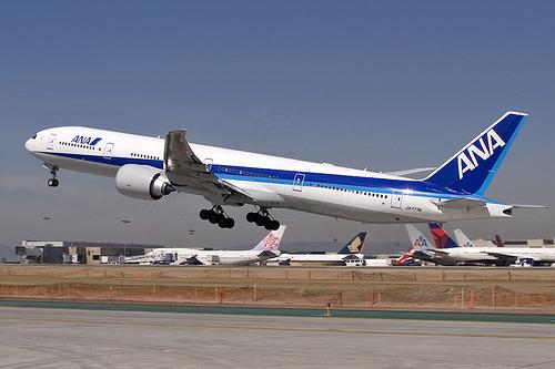 La japonesa ANA compra 70 aviones a Boeing y Airbus por 10.835 millones