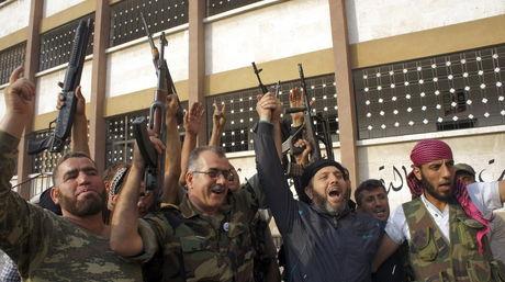El régimen sirio recupera el control de una base junto al aeropuerto de Alepo