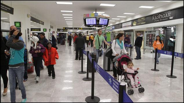 Desvían vuelos en aeropuerto de México por saturación