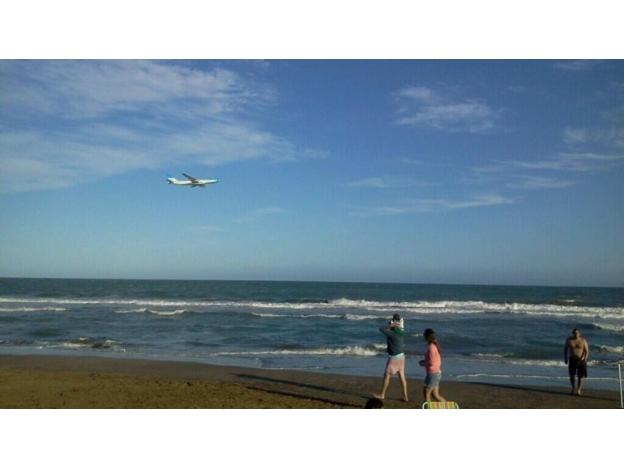 El nuevo Airbus de Aerolíneas sorprendió volando bajo en la Costa Atlántica