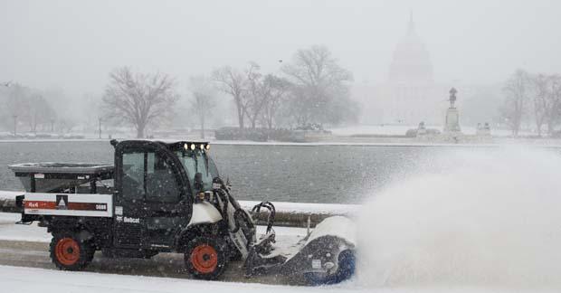 Más de 2,500 vuelos cancelados en NY y NJ por tormenta Niko