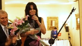 ADRIANA DE CARBONEL Celebró con sus amigos 47 años en aviación (Perú)