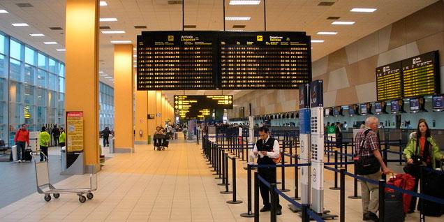 Frecuencias para vuelos aéreos entre Lima y Santiago de Chile estaría por llegar a su tope