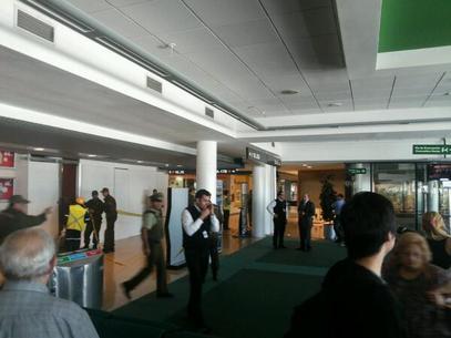 Paquete sospechoso en Aeropuerto de Santiago genera alerta