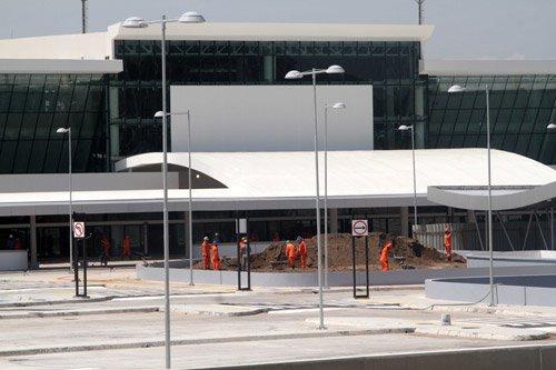 Aeroporto Internacional de Manaus é um dos piores do Brasil