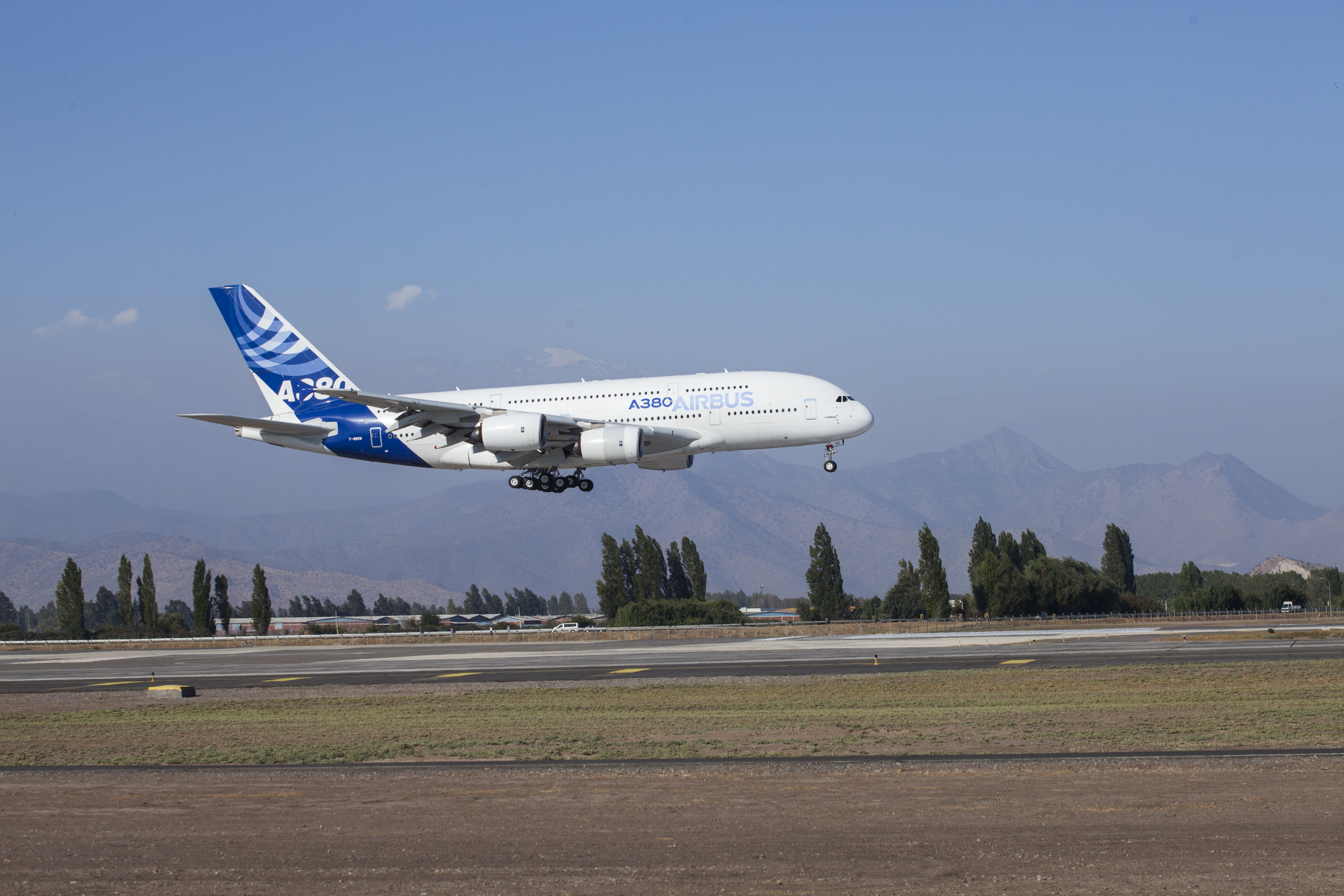 Airbus completó el ensamblaje del último A380