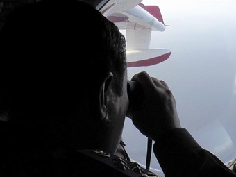 Malasia expandirá área de búsqueda del avión MH370