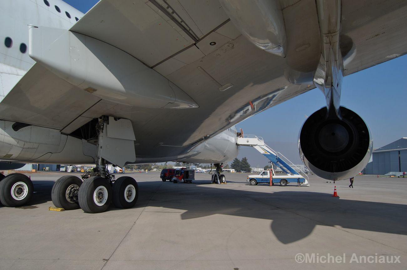 Aviones A380 más antiguos serán revisados por fisuras en las alas