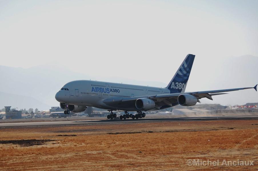 Airbus reduce fabricación del A380