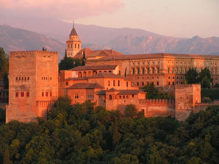Turistas internacionales dejaron más de diez mil millones de euros a España hasta marzo