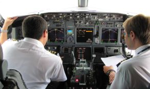 China to raise mandatory retirement age for pilots
