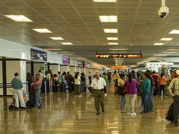 Presentan nuevo administrador del Aeropuerto tapatío