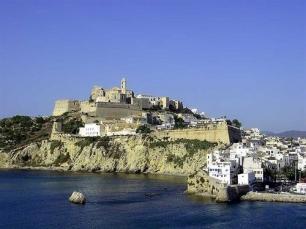 El Aeropuerto de Ibiza reduce el consumo de energía