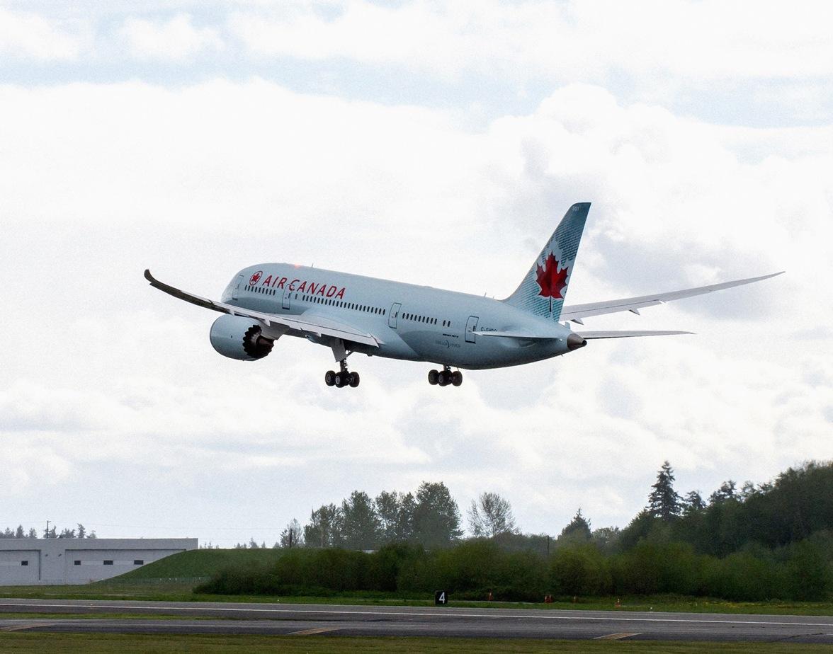 Air Canada recibió en Toronto a su primer Boeing 787 Dreamliner