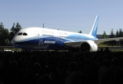 787 Dreamliner Premier - Everett WA - July 8, 2007