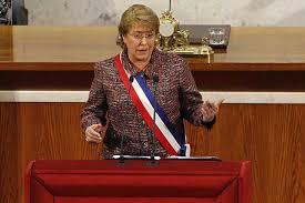 Chile: Presidenta anuncia ampliación de aeropuertos, conectividad austral y Agencia de Concesiones