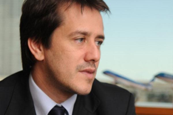 Recalde denuncia que están preparando el terreno para privatizar Aerolíneas Argentinas