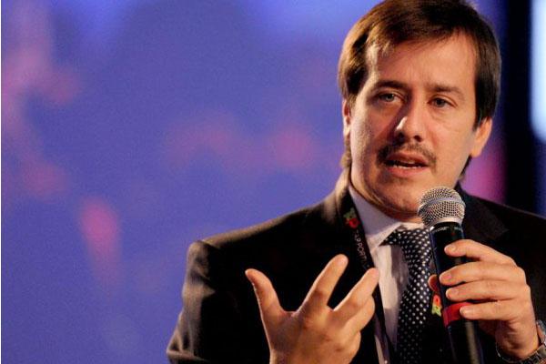 """Recalde: """"No quieren privatizar Aerolíneas, quieren cerrarla"""""""