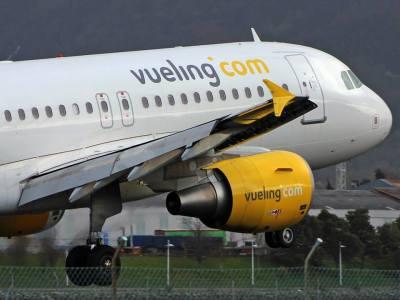 Un grupo de pasajeros se amotina en Gando y se baja de un vuelo a Bilbao