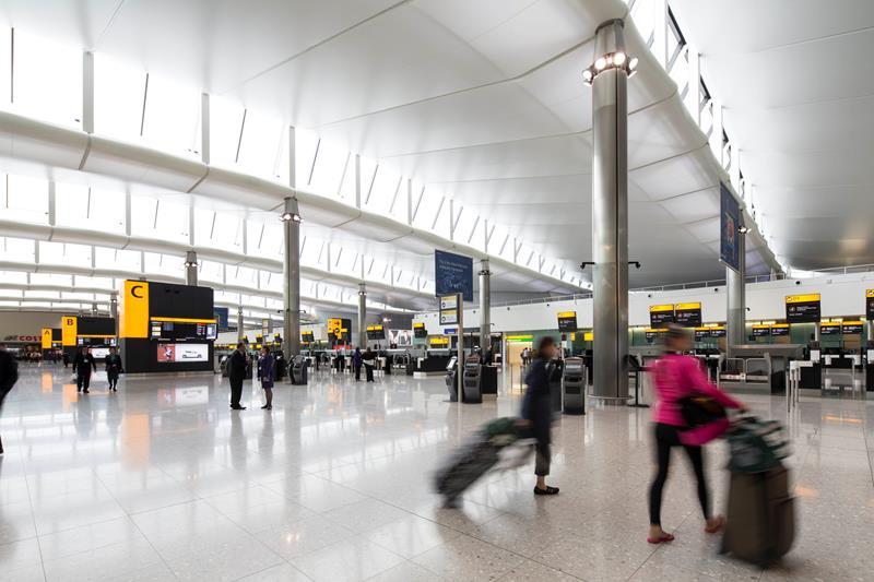 Los aeropuertos británicos introducirán sistemas de escáner en 3D en 2022