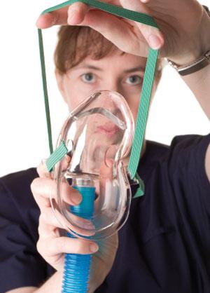 Una de las víctimas del MH17 fue hallada con una máscara de oxígeno puesta