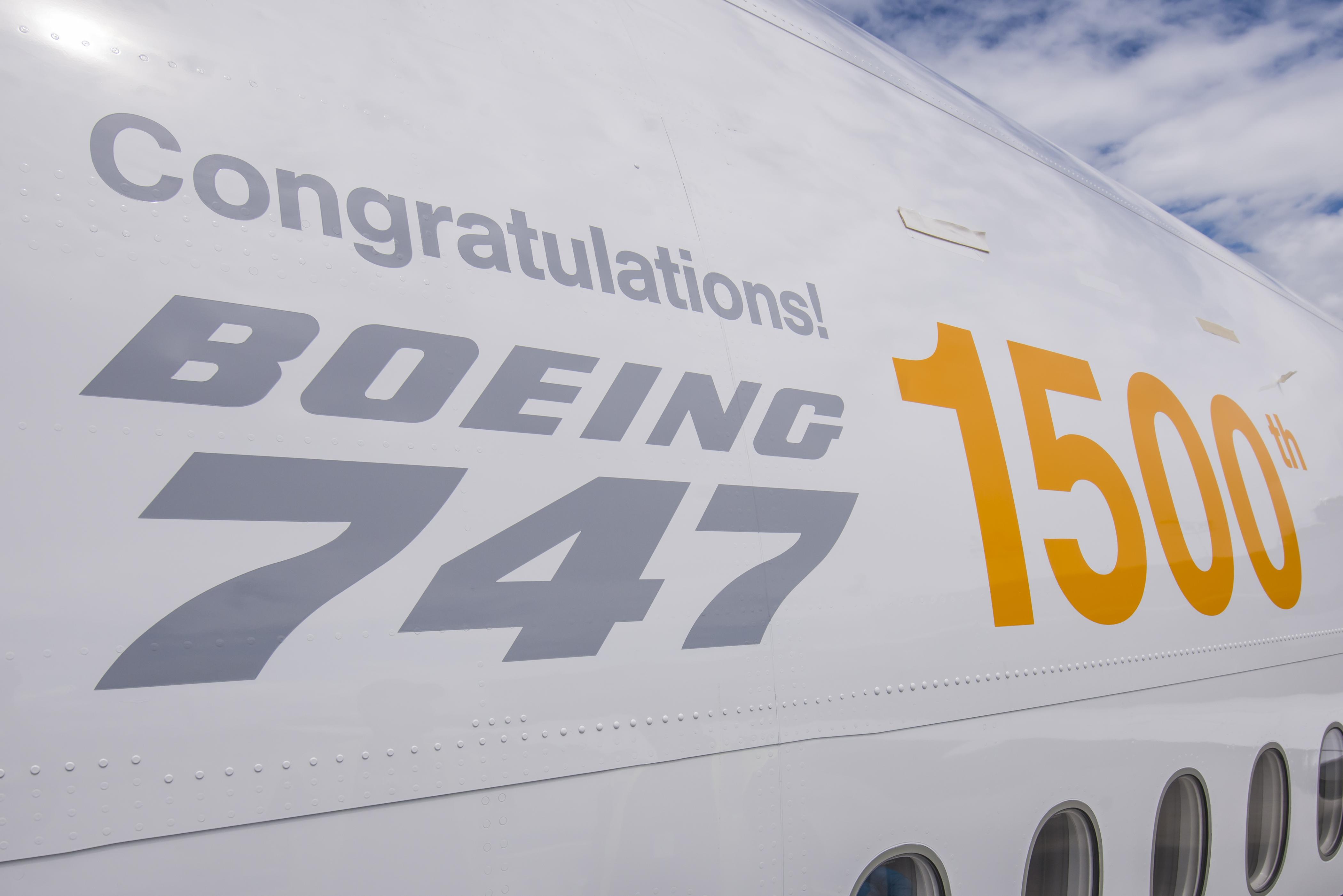 Pullmantur Air busca un sexto avión del modelo 747-400