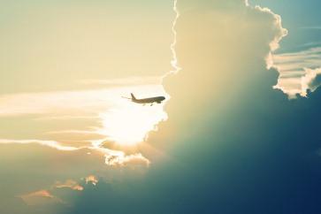 La aviación como motor del desarrollo, Columna de Rosario Avilés